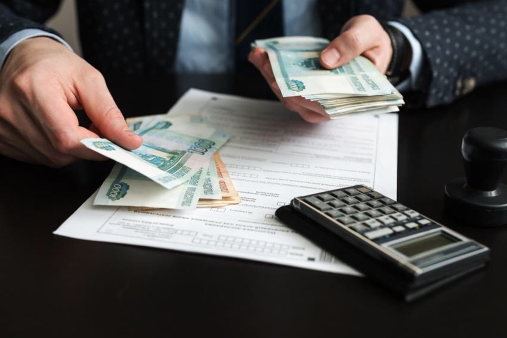 Юрлица получат почти 300 млрд руб. на поддержку занятости